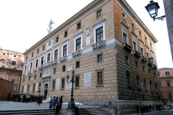 23.000 nomi di migranti morti esposti al palazzo Comunale di Palermo