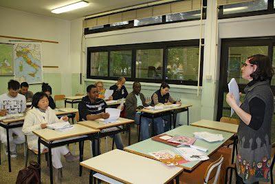A SCUOLA DI ITALIANO: IMMIGRATI E ISTRUZIONE