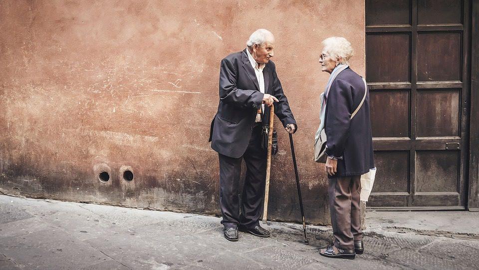 Ageismo: aumentano le discriminazioni nei confronti degli anziani