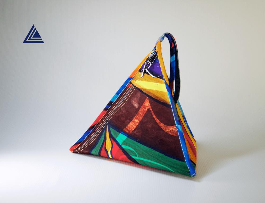 Arrivano le Pyramid bags