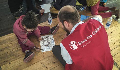 Bambini in fuga: troppo alto il numero degli sfollati