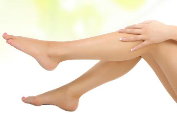 Caldo e gambe pesanti: cosa fare?