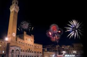 CAPODANNO: TUTTA ITALIA SALUTA IL 2013