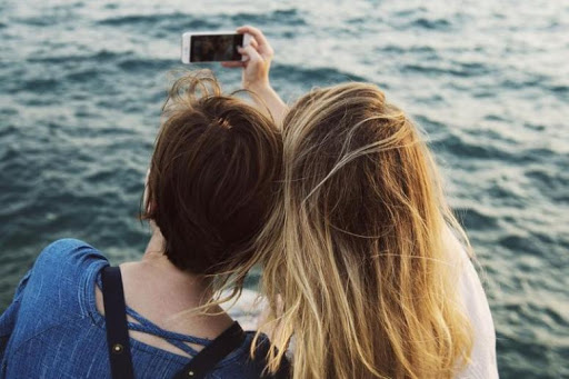 Comunicare in famiglia: tra silenzi e smartphone