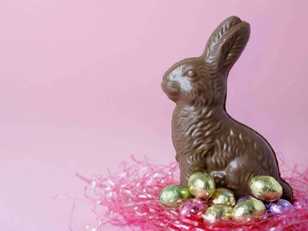 Coniglietti pasquali di cioccolato con olio minerale