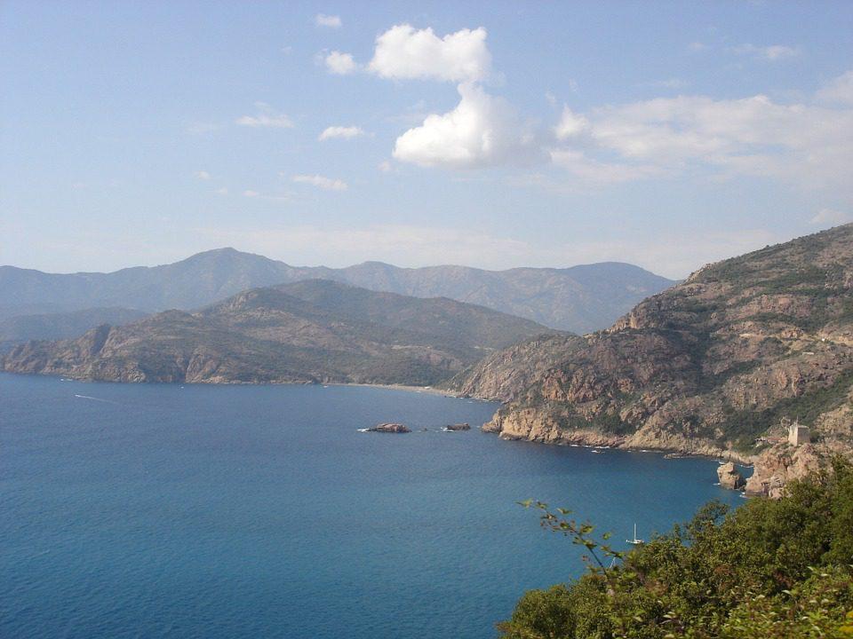 Corsica: un'isola tra storia e bellezza