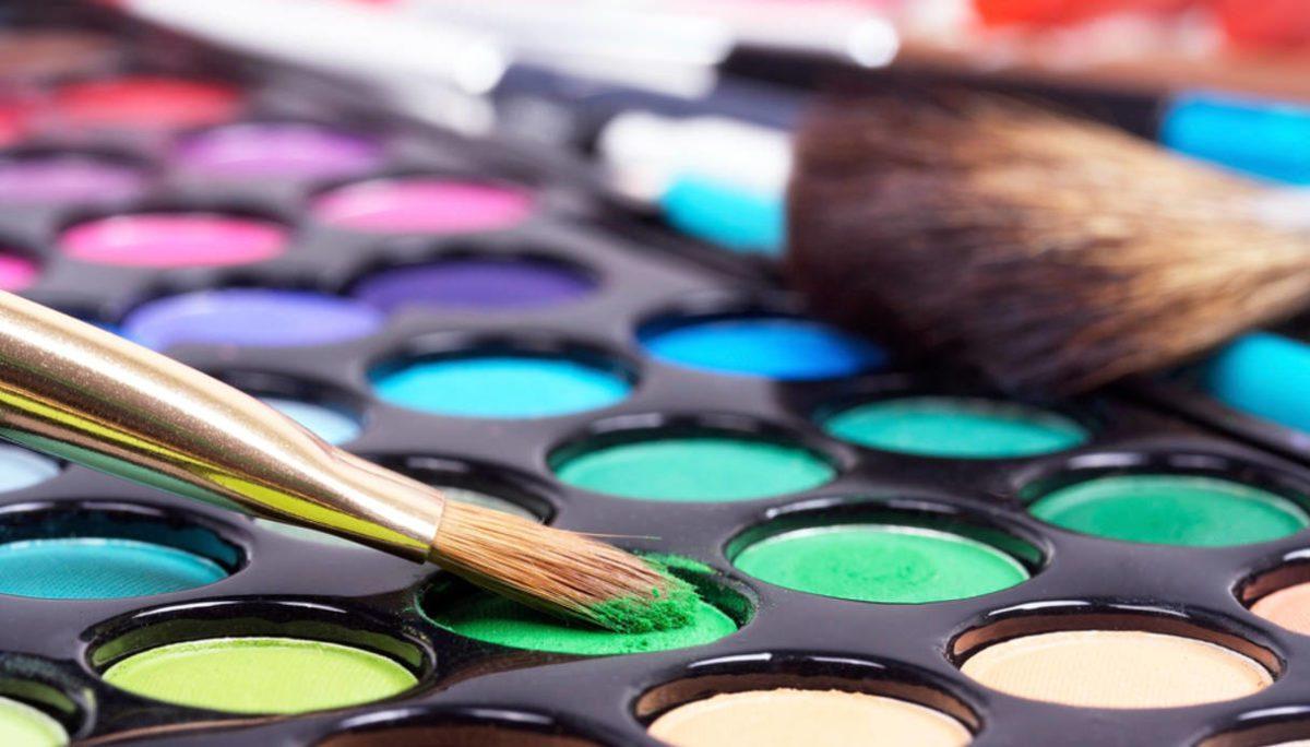 Cosmetici e trucchi: attenzione alla scadenza