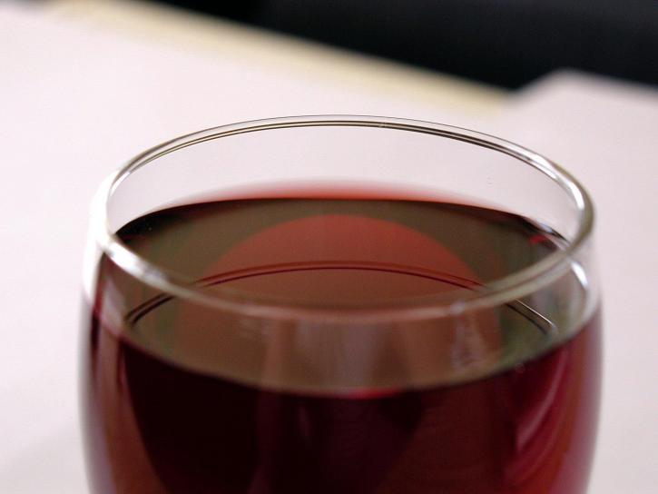Dal vino zuccherato a quello annacquato