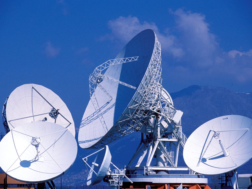 De Magistris scrive a Renzi sulla vertenza Telespazio
