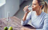 In forma dopo le feste: aiutati con l'acqua