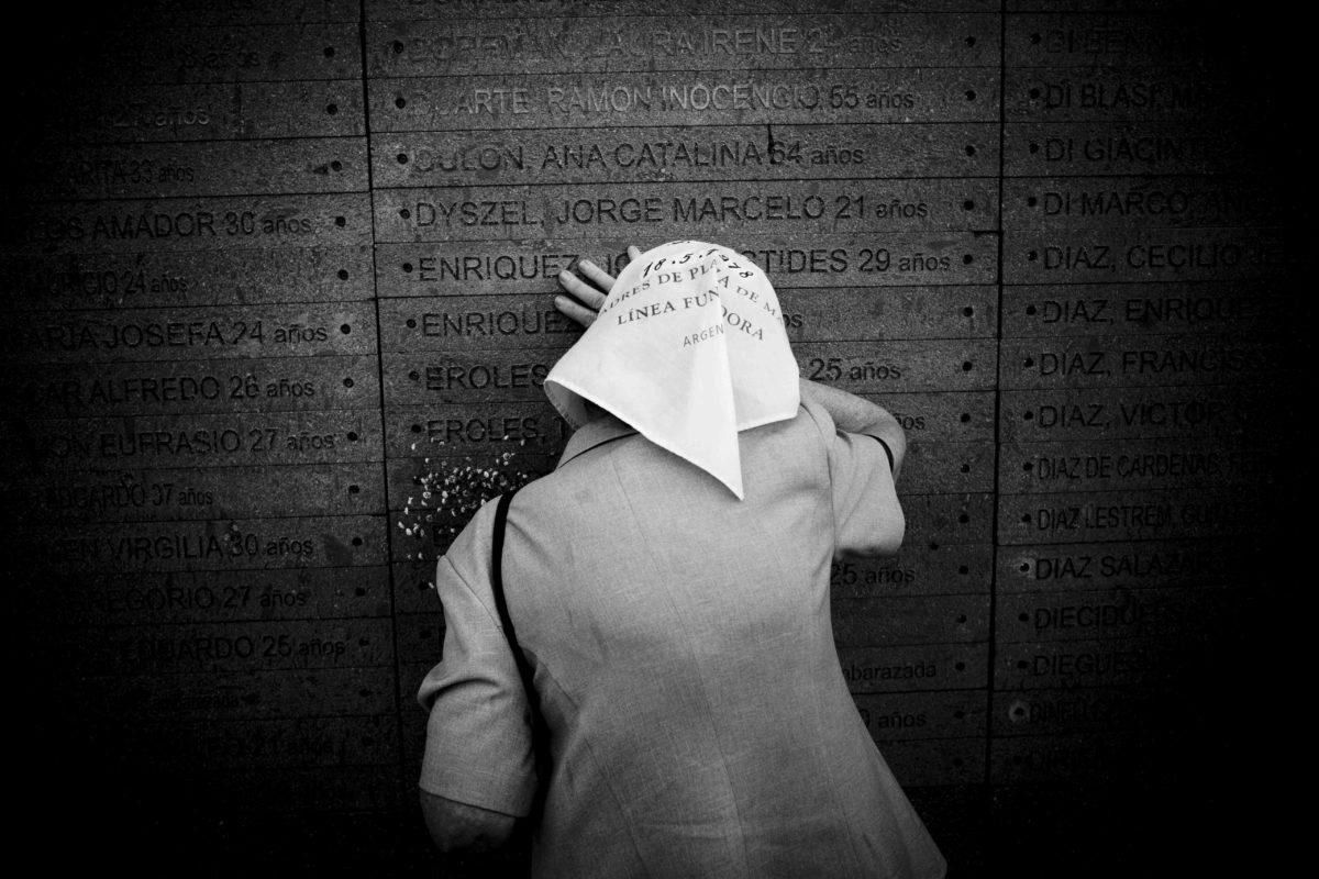 """Destino Final"" testimonianza fotografica di G. Ceraudo"