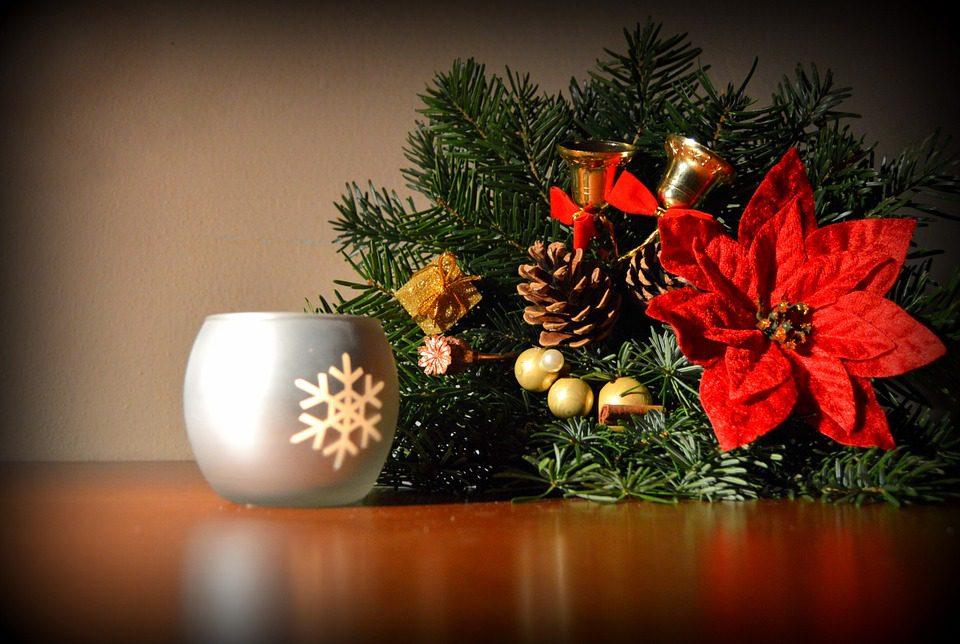 Dicembre: via allo shopping natalizio