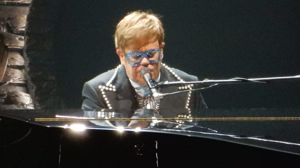 Elton John: tra l'oscar e gli ultimi concerti