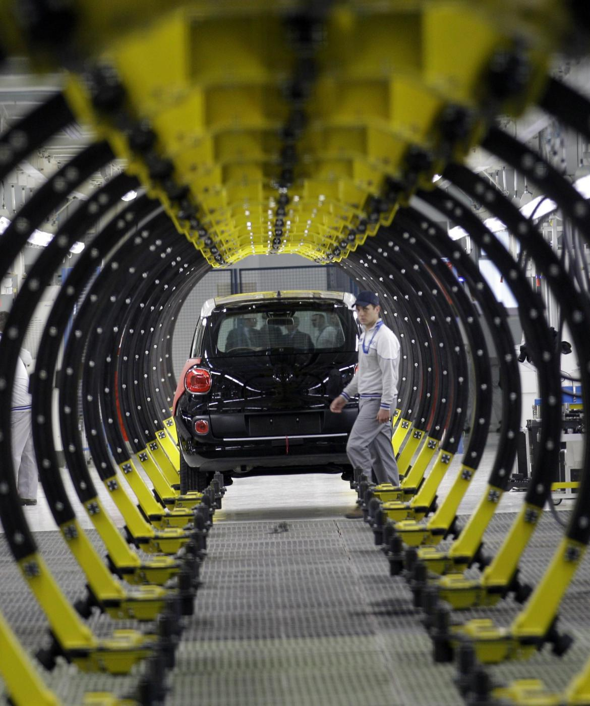 Frena il mercato europeo delle auto