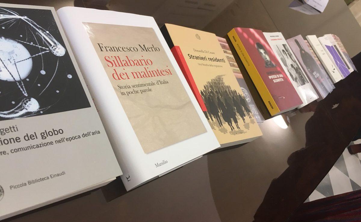 Gli autori dialogano con i lettori