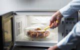 I cinque alimenti da non cuocere nel microonde