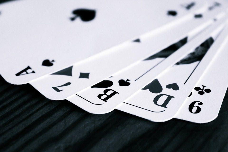 I pittori del '900 e le carte da gioco