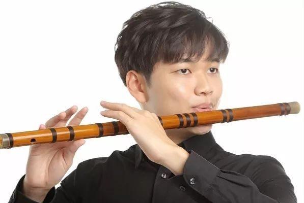Il flauto traverso cinese di bambù
