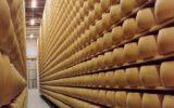 Il Parmigiano è il cibo più rubato in Italia