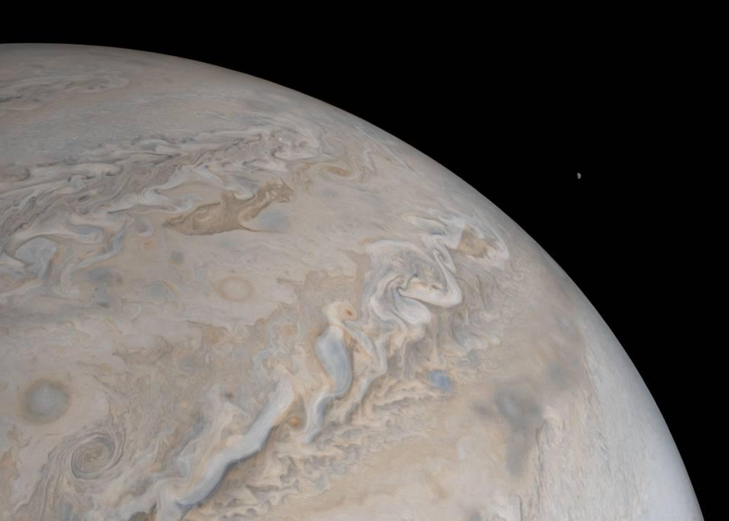 Il satellite Io nella JunoCam