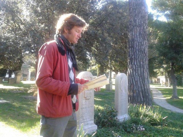 Il Teatro Reale di Alessandro Rubinetti al Cimitero Acattolico