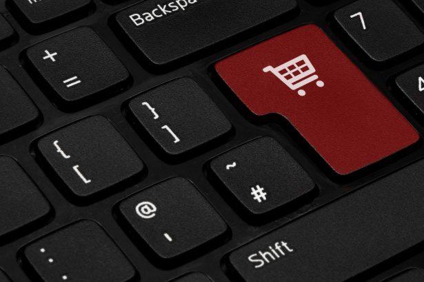 Impennata dei falsi e-shop e delle vetrine online