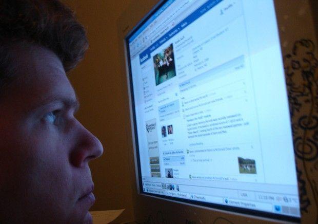 In Italia si licenzia per colpa di Facebook?