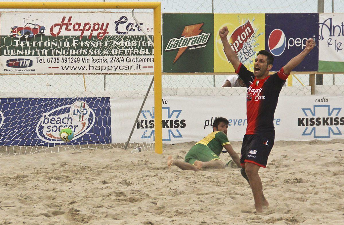 È iniziata la stagione del beach soccer