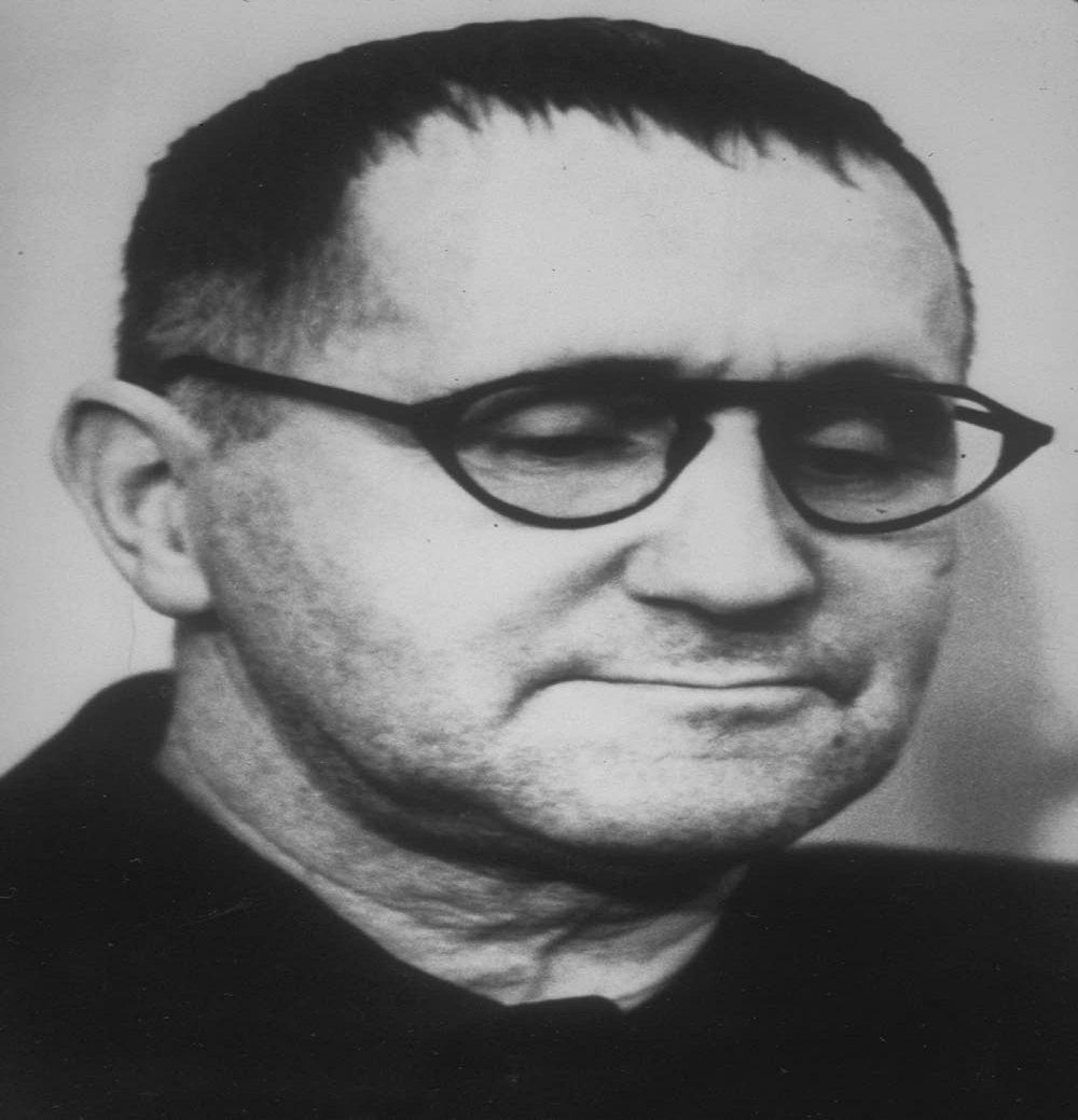 Interviste impossibili: oggi ci è venuto a trovare il fantasma di Bertolt Brecht