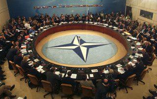 LA CRISI EUROPEA PREOCCUPA LA NATO