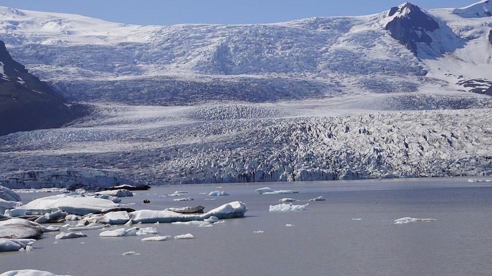 La Groenlandia perde ghiaccio