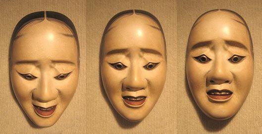 La maschera va a teatro