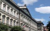 La nascita della banca moderna a Napoli. Una prospettiva comparativa