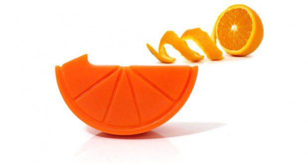 Le arance e i mandarini sbucciati e confezionati sollevano critiche