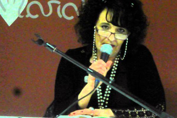 Leggi una donna e trovi una poetessa: Lorena Turri fra editi ed inediti