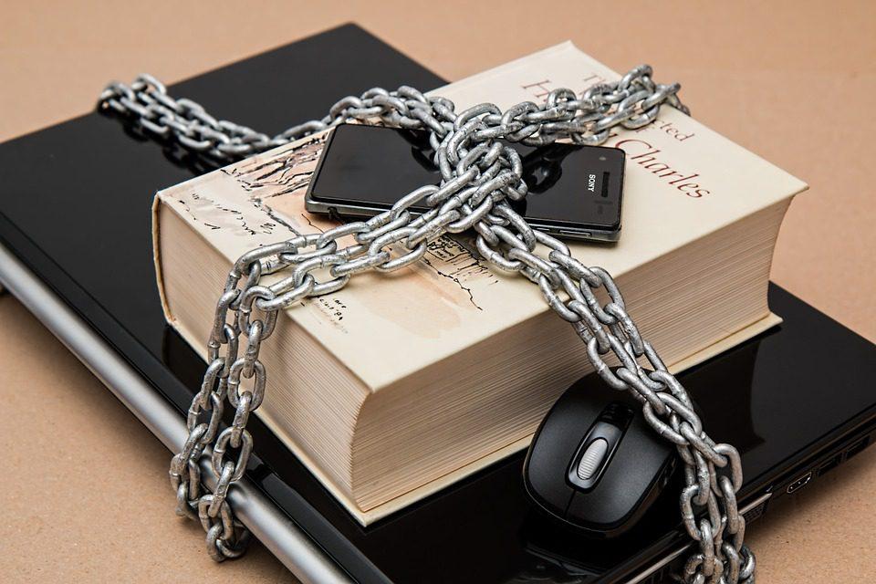 Libertà di espressione e informazione e proprietà intellettuale nel diritto internazionale