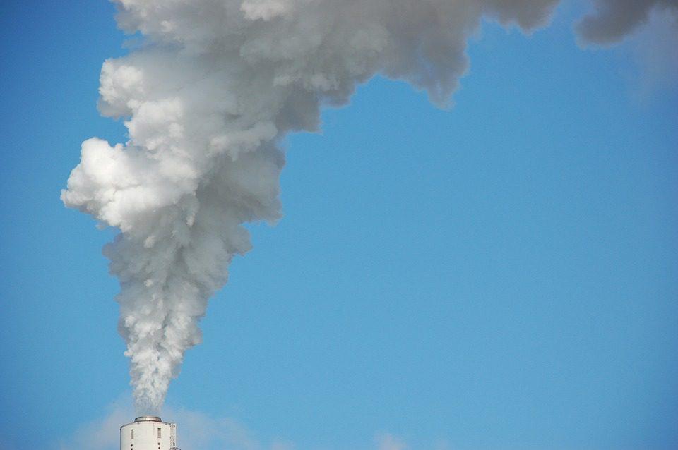 """Lo smog che """"soffoca"""" le città"""