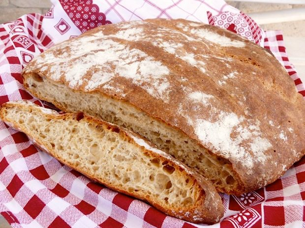 Mangiare la crosta del pane fa bene