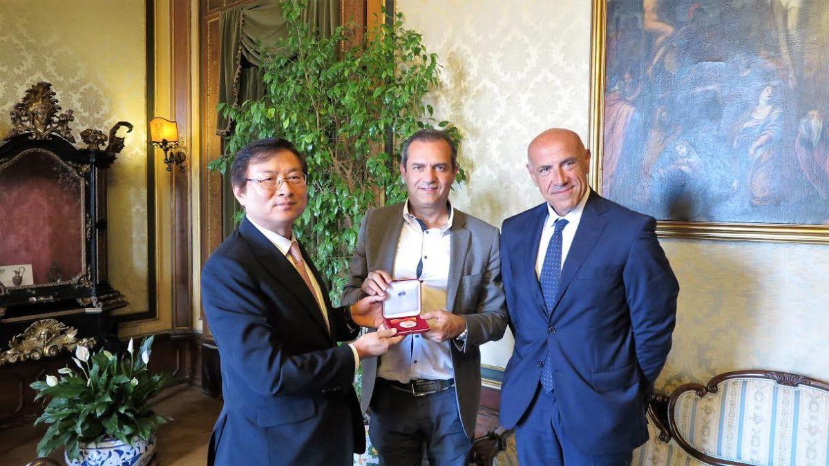 Napoli incontra l'ambasciatore della Corea