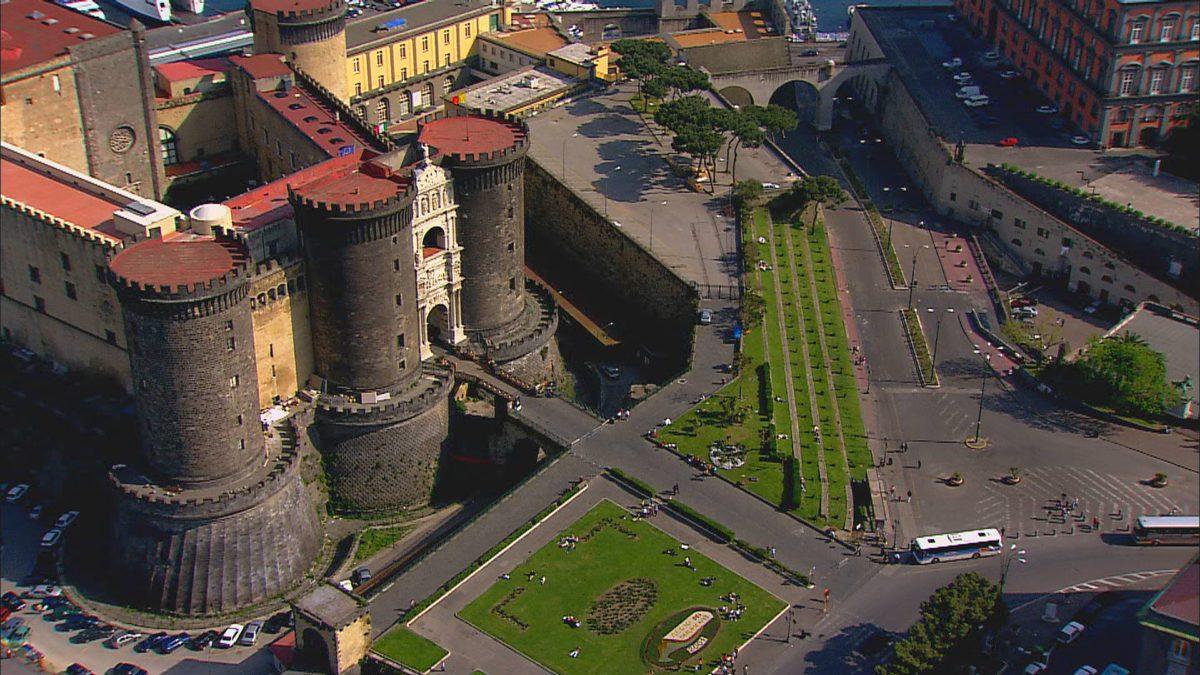 Napoli investe nel turismo