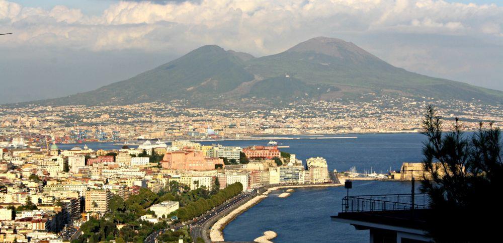 Napoli nella top 10 delle destinazioni pasquali