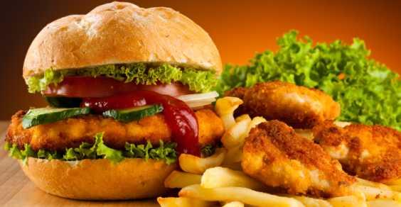 Obesità: troppi italiani mangiano male