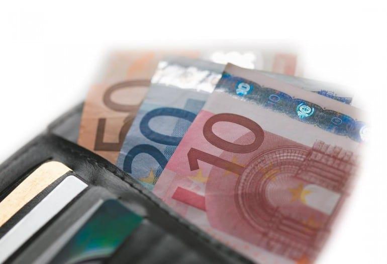 Pagamenti transfrontalieri: meno commissioni e più trasparenza