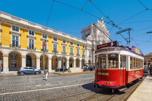 Pensionati in Portogallo: addio al paradiso fiscale