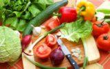 Per star bene mangiare almeno il 70% crudo