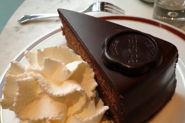 Sacher: la torta più austera della storia