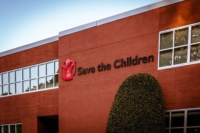 Save the Children contro il blocco delle ricollocazioni