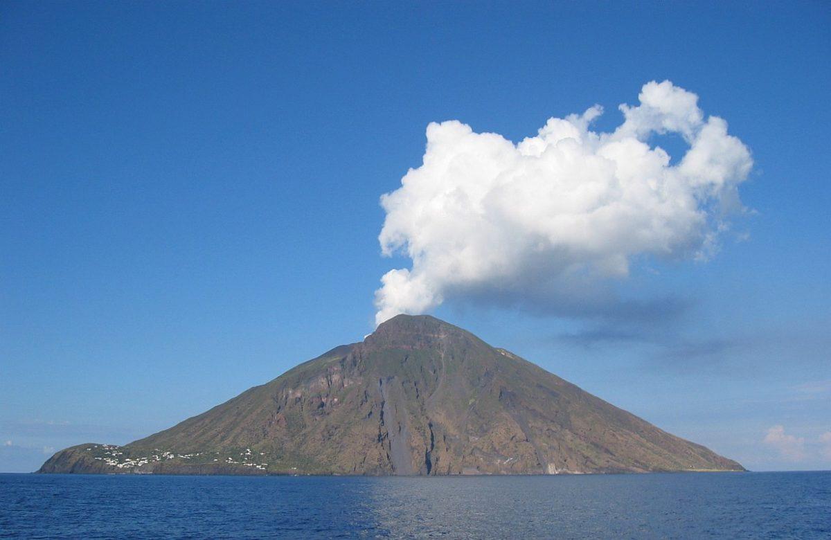Stromboli: realizzata la prima radiografia muonica del vulcano