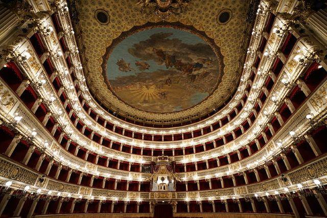Teatro San Carlo di Napoli: il più antico del mondo