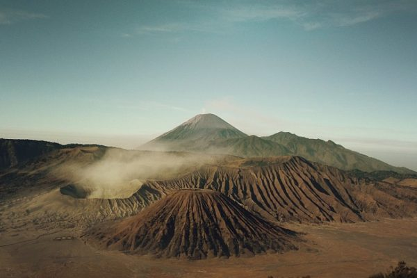 Terremoti, Vulcani e Nuvole